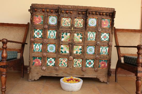 Ratan Vilas: beautiful colonial furniture