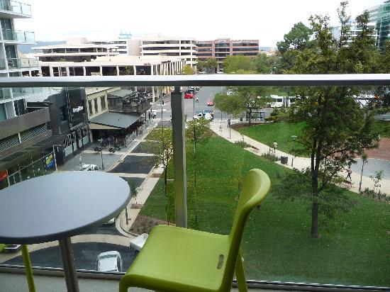 Crowne Plaza Adelaide: CP bacony View