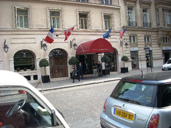 H tel ch teau frontenac picture of hotel chateau for Chateau hotel paris