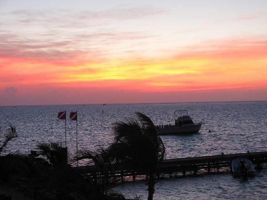 Compass Point Dive Resort: sunrise from the 2BR/2BA condos