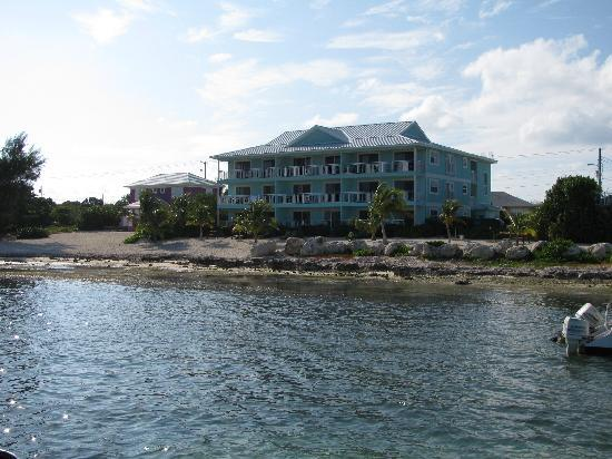 Compass Point Dive Resort: Right on the water