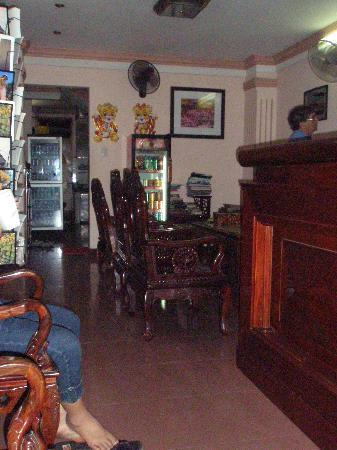 Madam Cuc 64: The foyer