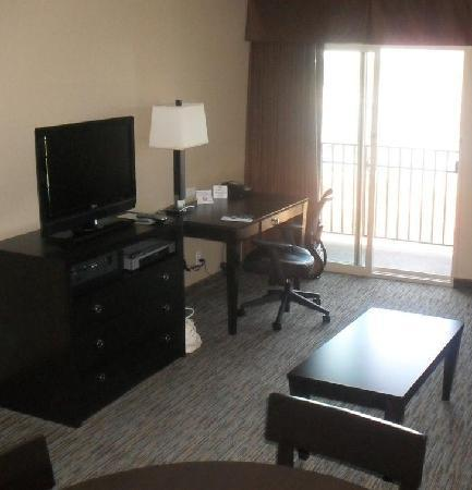 Holiday Inn Express San Clemente North: Suite Lounge