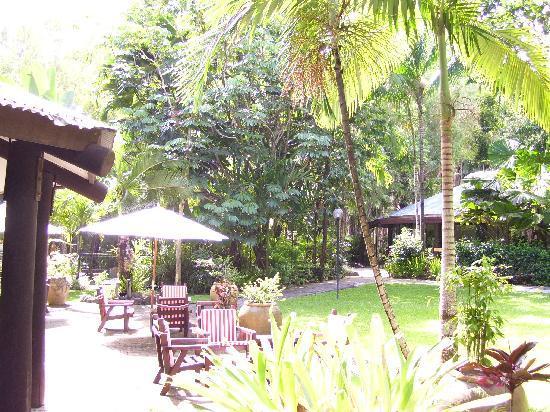 Kewarra Beach Resort & Spa: Lounging area away from main eating area