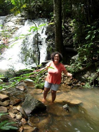 Pirenopolis: 1º chachoeira.  Estava muito boa a água.