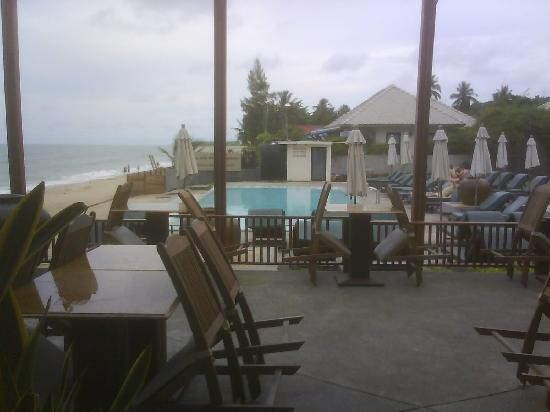 Lamai Wanta: Restaurant-view at pool and beach