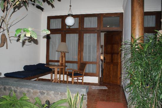 Rumah Mertua Boutique Hotel & Garden Restaurant & Spa: Frontview DeLuxe-room2