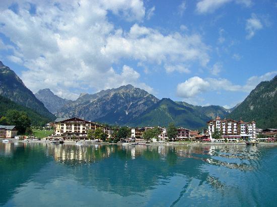 Rosenegger Hotel: Achensee mit Sicht nach Pertisau