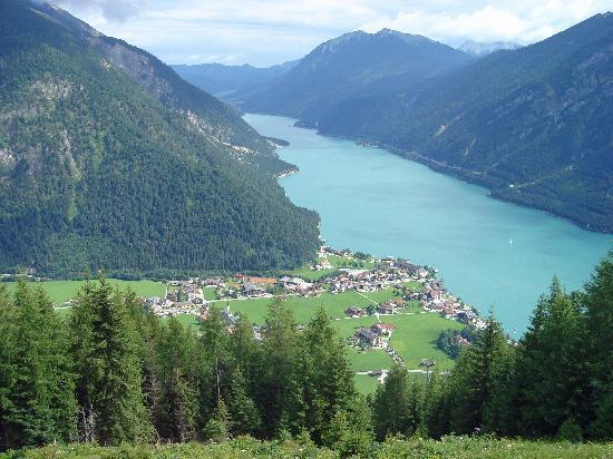 Rosenegger Hotel: Pertisau am Achensee (Aussicht vom Karwendel aus)