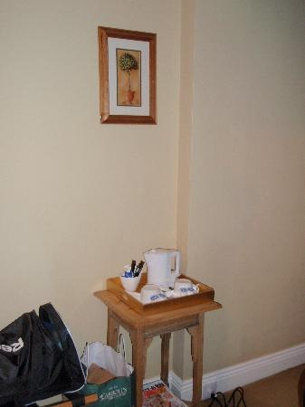 Tinode House: Tea /coffee offered in room