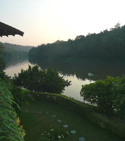 Cinnamon Citadel Kandy: rivière