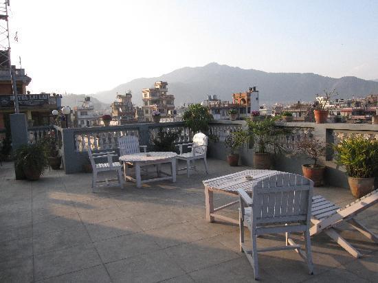Hotel Ganesh Himal: roof garden