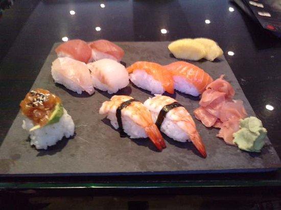 Sushi Bar : mon assiette de 100%sushi, magnifique !