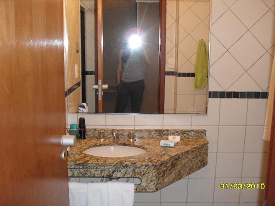 Atoba Praia Hotel: El baño