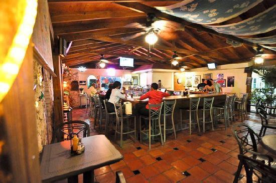 Sunrise Beach Clubs and Villas: Viola's