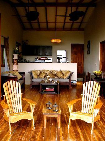 Casa Chameleon Hotel Mal Pais: Ultra Villa Living Room