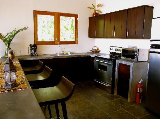 Casa Chameleon Hotel Mal Pais: Ultra Villa Kitchen