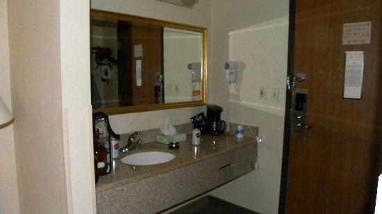 La Quinta Inn Auburn Worcester: The room