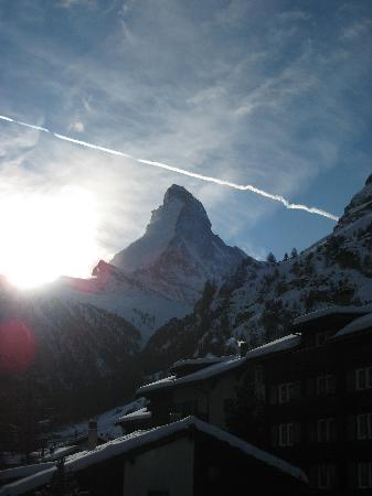 Hotel Beau-Rivage : Matterhorn view from room