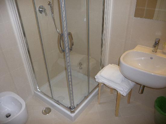 Hotel Canada: Salle de bain