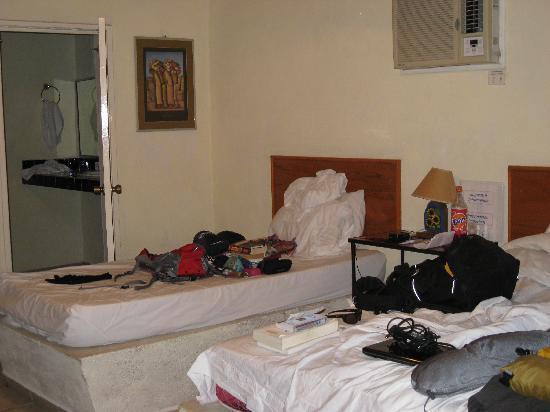 Iguana Inn: Room 3 - packing to go!