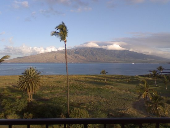 Kauhale Makai, Village by the Sea: March, beautiful morning view from #610