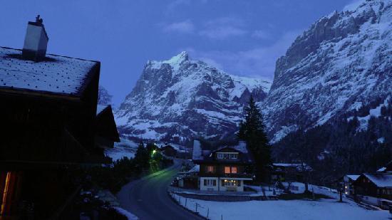 Hotel Gletschergarten: View from our room at dusk