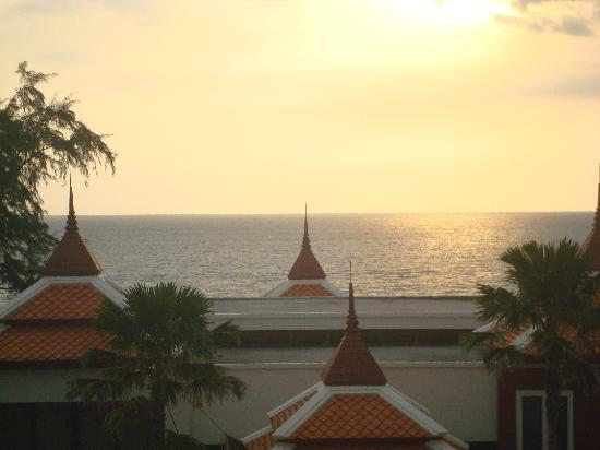Moevenpick Resort Bangtao Beach Phuket : Sun set from Penthouse suite