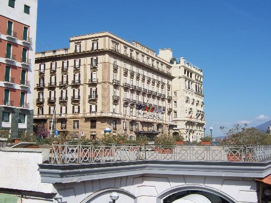 Grand Hotel Santa Lucia: Front of the hotel