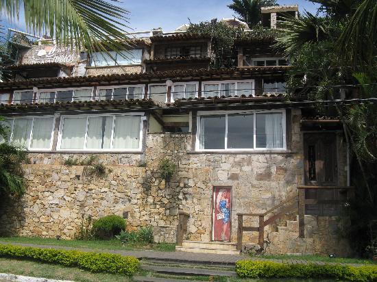 Pousada Byblos: fachada de la posada desde la Orla