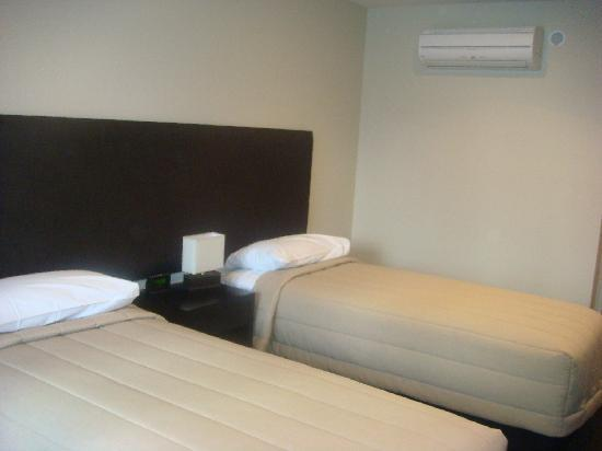 Amore Motor Lodge: Twin Room on 1st floor