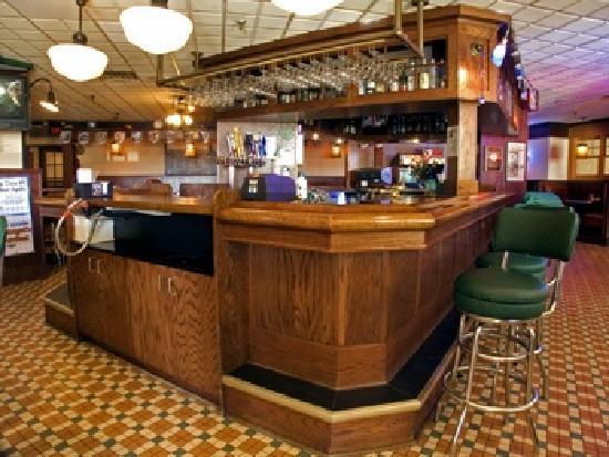 Best Western Plus Capitol Ridge: eating area