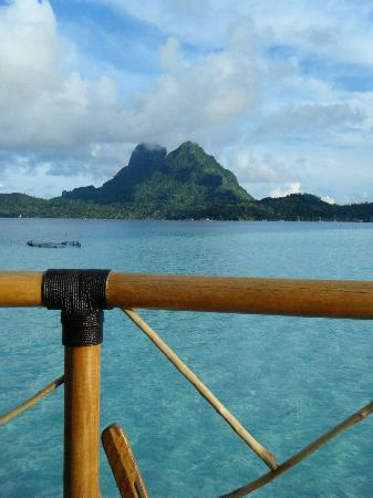 Bora Bora Pearl Beach Resort & Spa: view from the balcony of our bungalow