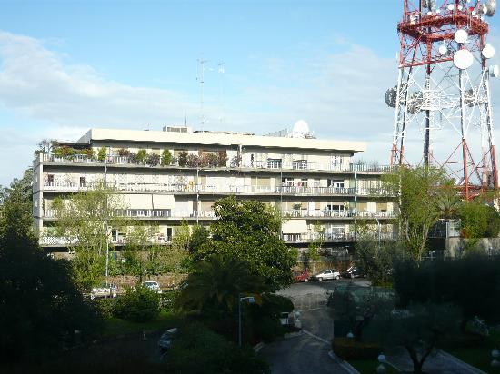 Rome Cavalieri, A Waldorf Astoria Resort: Garden view 1