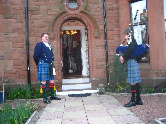Ferintosh Guest House: Waiting for Burns Supper to start.
