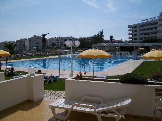 Hotel Apartamento Brisa Sol: ground floor studio, pool view