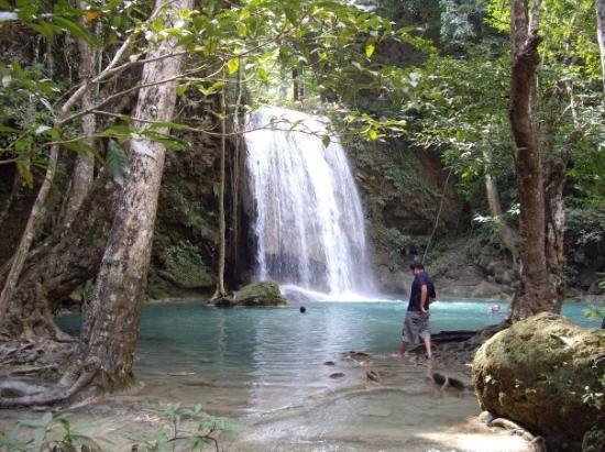 Erawan Falls, Konchanaburi Thailand - Picture of Erawan ...