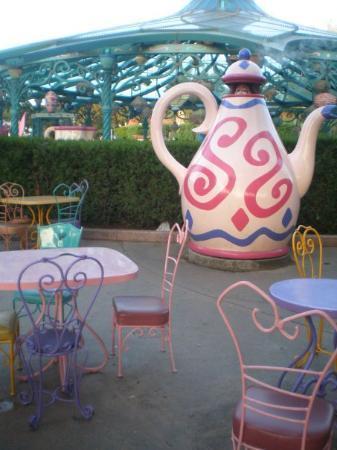 Disneyland Park: Feeeeeeeeeeeeliz feliz no cumpleaños, a tuuu te doyyy