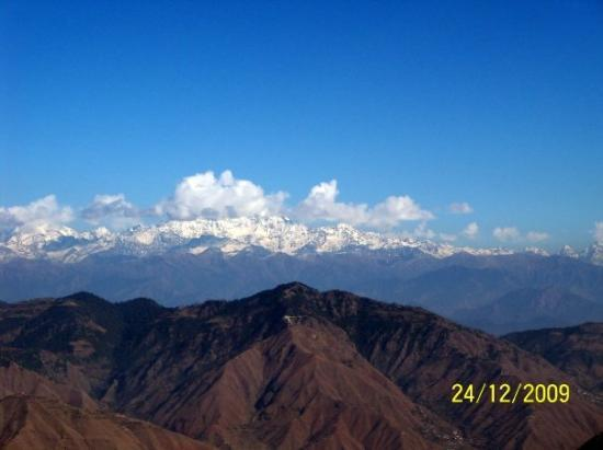 Mussoorie, India: View of Himalayas from Dhanaulti