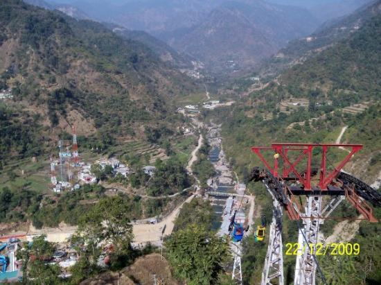 Dehradun, India: Cable Car ride in Sahasradhara. Goto the top to see amusement park and Sai Baba