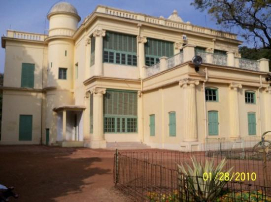 ‪‪Santiniketan‬, الهند: Shantiniketan Bari. The Prime Minister of India is the Chancellor of Shantiniketan. Shantiniketa‬