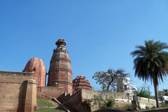 Vrindavan, India: Madan Mohan Temple has a unique architecture and one of the oldest in Brindaban