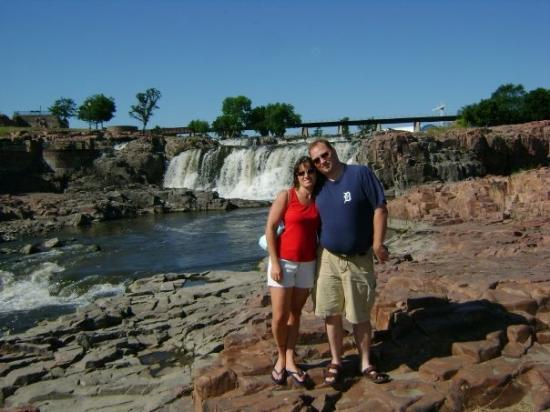Falls Park: Chris & Bill at Sioux Falls, SD