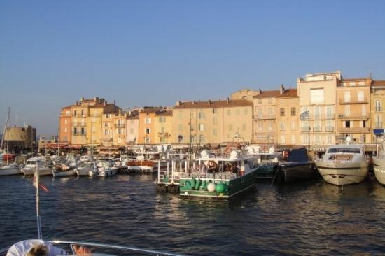 Saint-Tropez, Frankrike: This Place Screams Money, Money and More Money!