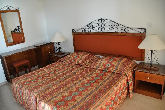Eleonora Hotel Apartments: Bedroom