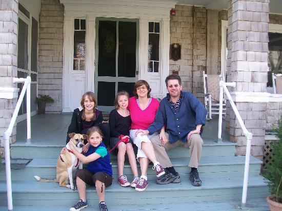 أورينت إن: happy family