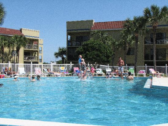 Ocean Village Club: Afternoon at the pool in early April