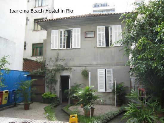 Beach House Ipanema: front of it