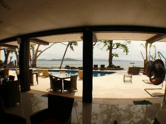 Taveuni, Fiyi: View of Somosomo straight from restaurant