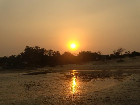 Shantinivas Hotel : the sun set